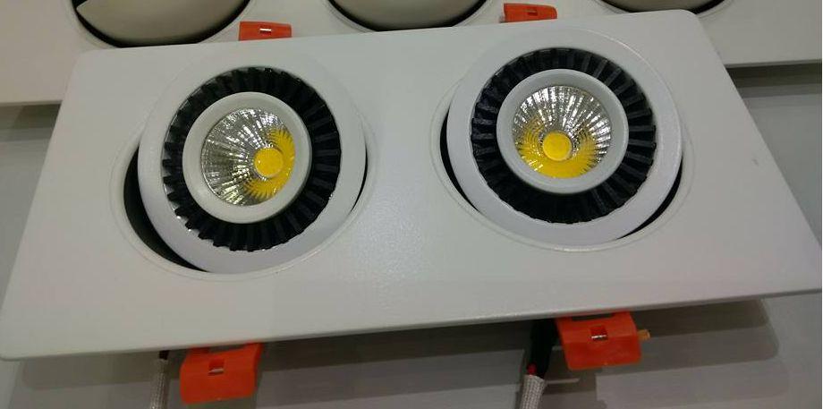 Đèn led âm trần chiếu điểm- đèn âm trần đôi xoay